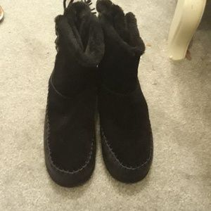 American Eagle Fuzzy Boots